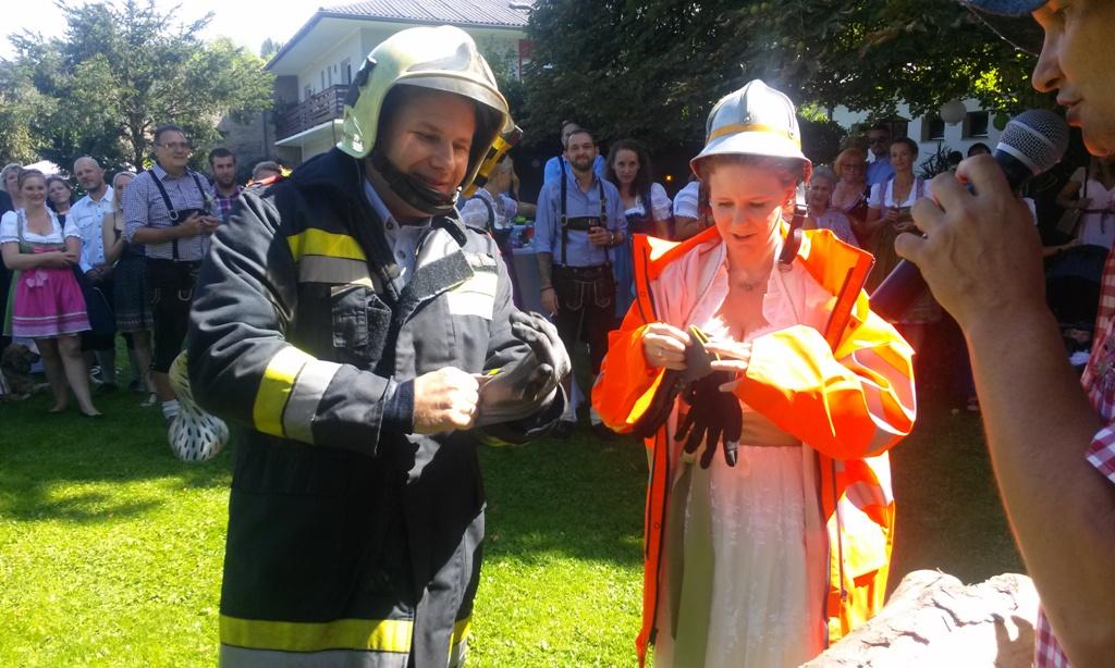 Freiwillige Feuerwehr Pitten Blog Archiv Feuerwehrhochzeit
